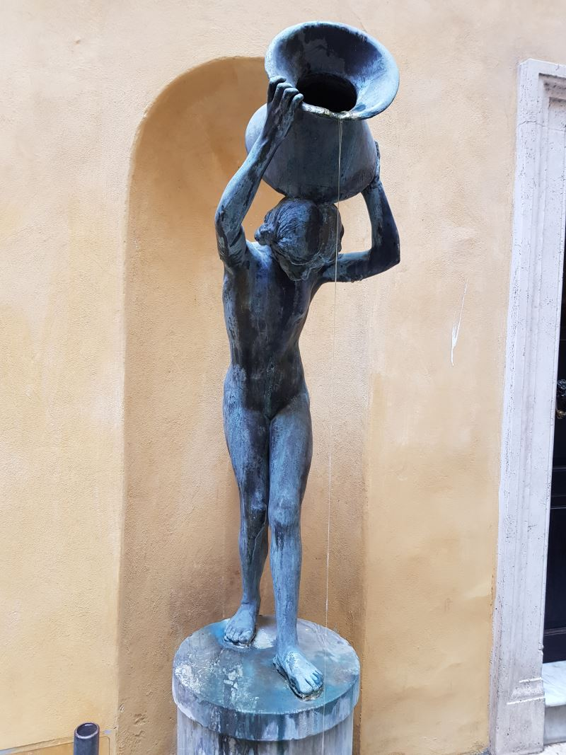 Statue Rome 2